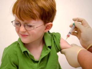Прививки были разработаны вирусолагами для помощи тем людям, у которых не хватает своих сил для борьбы с болезнью.
